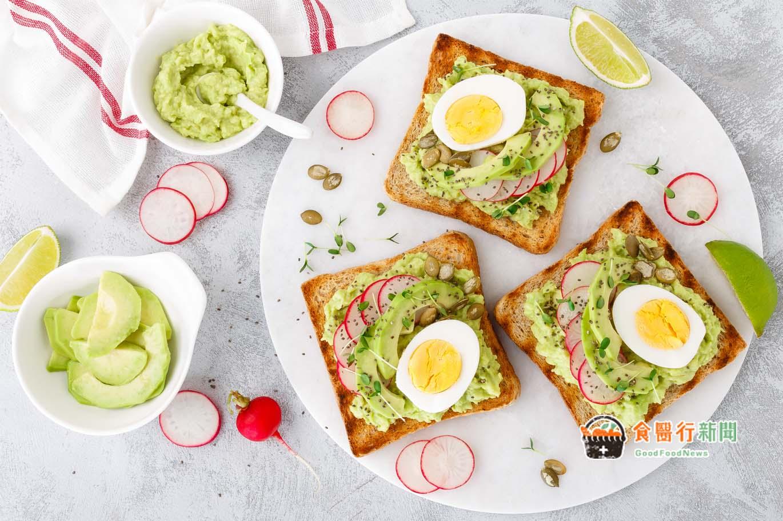 跟著營養師吃早餐!外食版、自煮版減醣早餐這樣吃